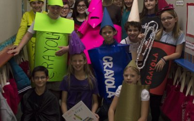 Middle School students perform monologues for Lower School students